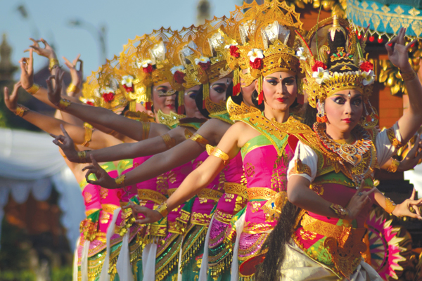 bali-dancers